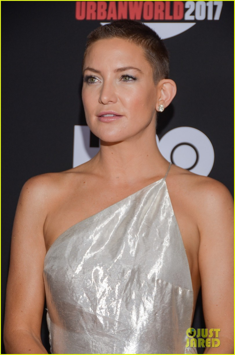 kate hudson wears silver gown to marshall premiere 073963101