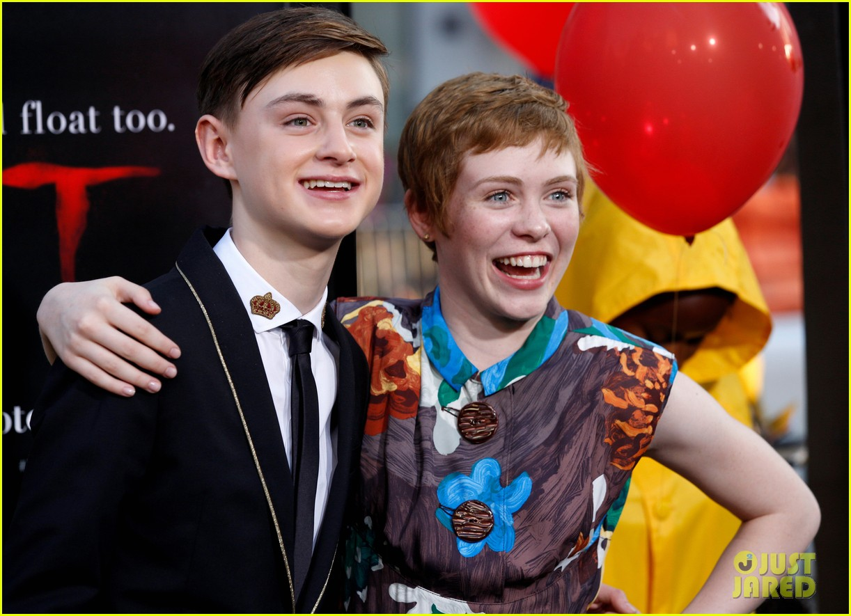 it movie kids premiere 043950896