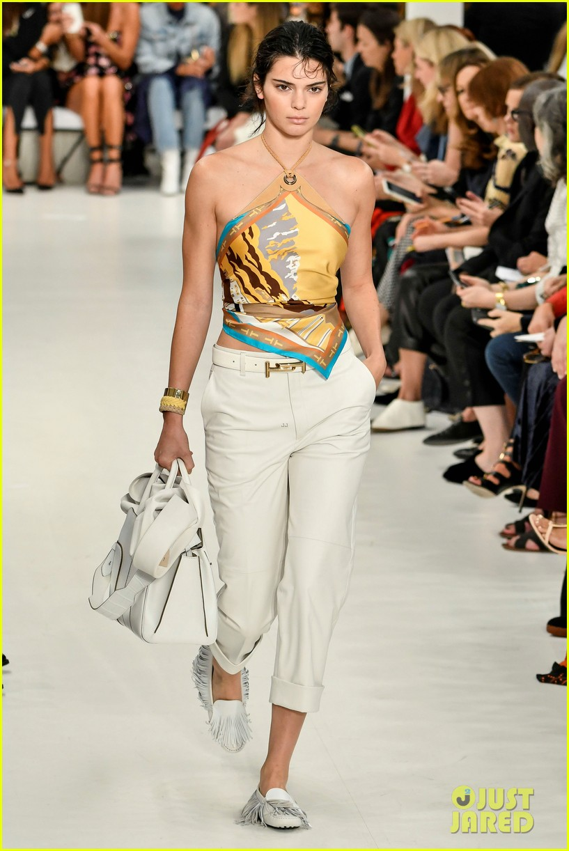 kendall jenner rocks two looks for tods milan fashion week show 043962389