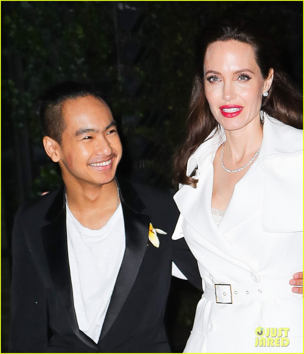 angelina jolies sons maddox pax join her at premiere party 013957462