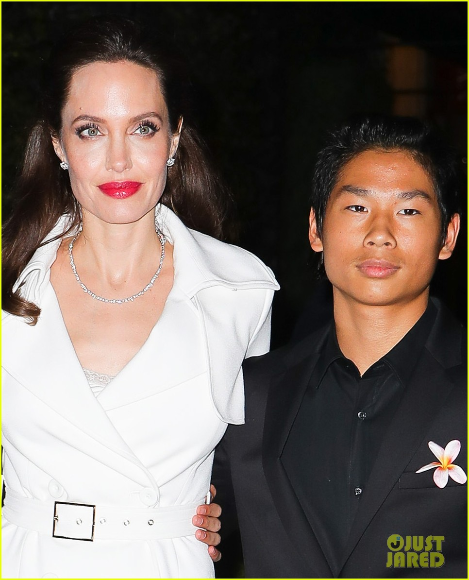 angelina jolies sons maddox pax join her at premiere party 033957464
