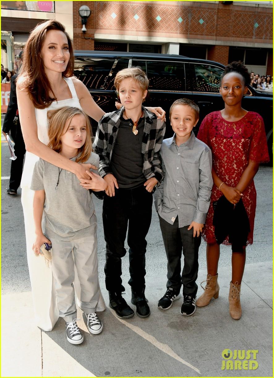 angelina jolie brings kids red carpet tiff 013954325