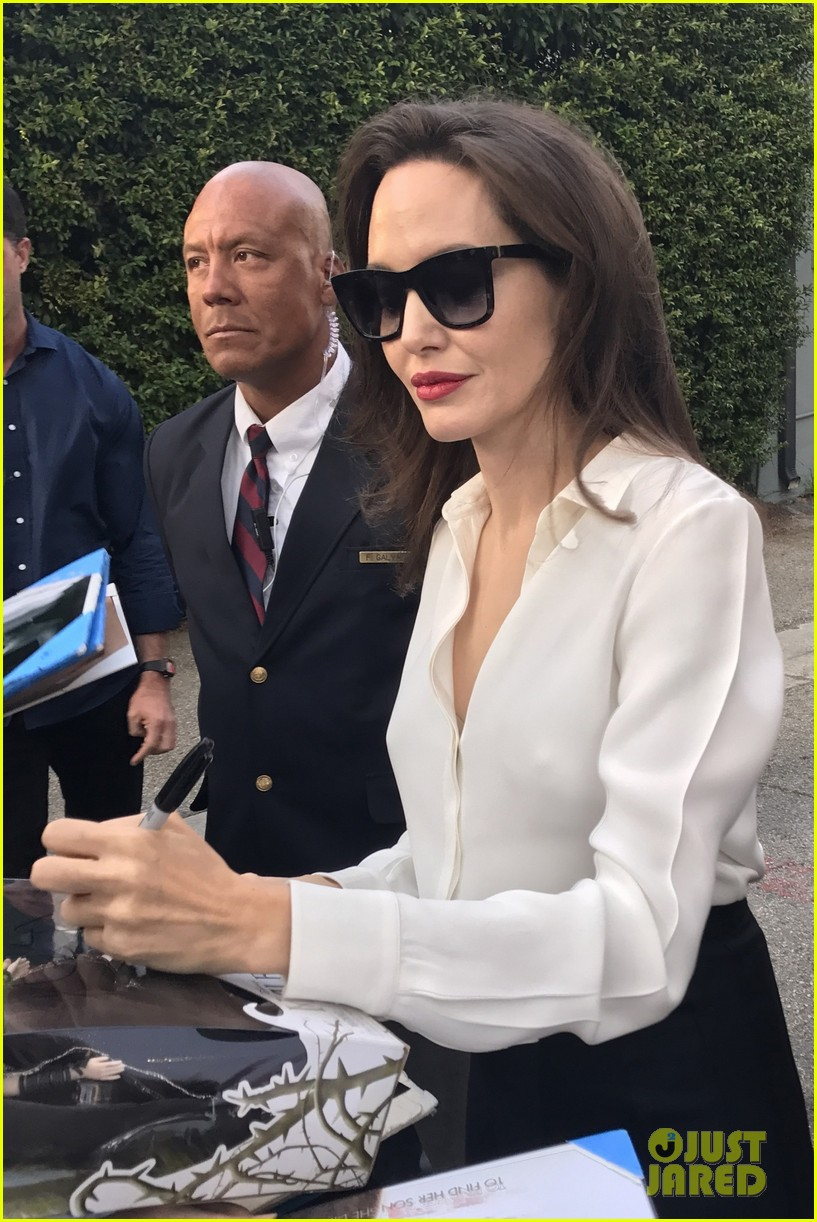 angelina jolie signs autographs 133959957