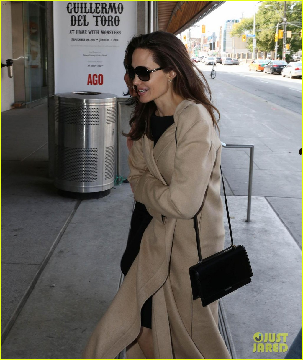 angelina jolie women summit canada 053955619