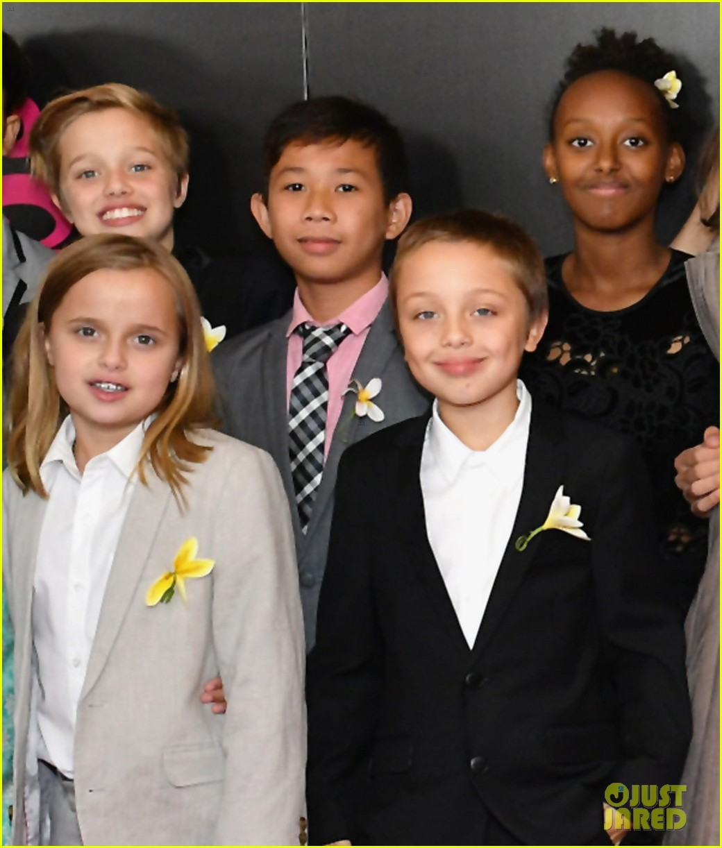 angelina jolies six kids wear yellow flowers to nyc premiere 013957194