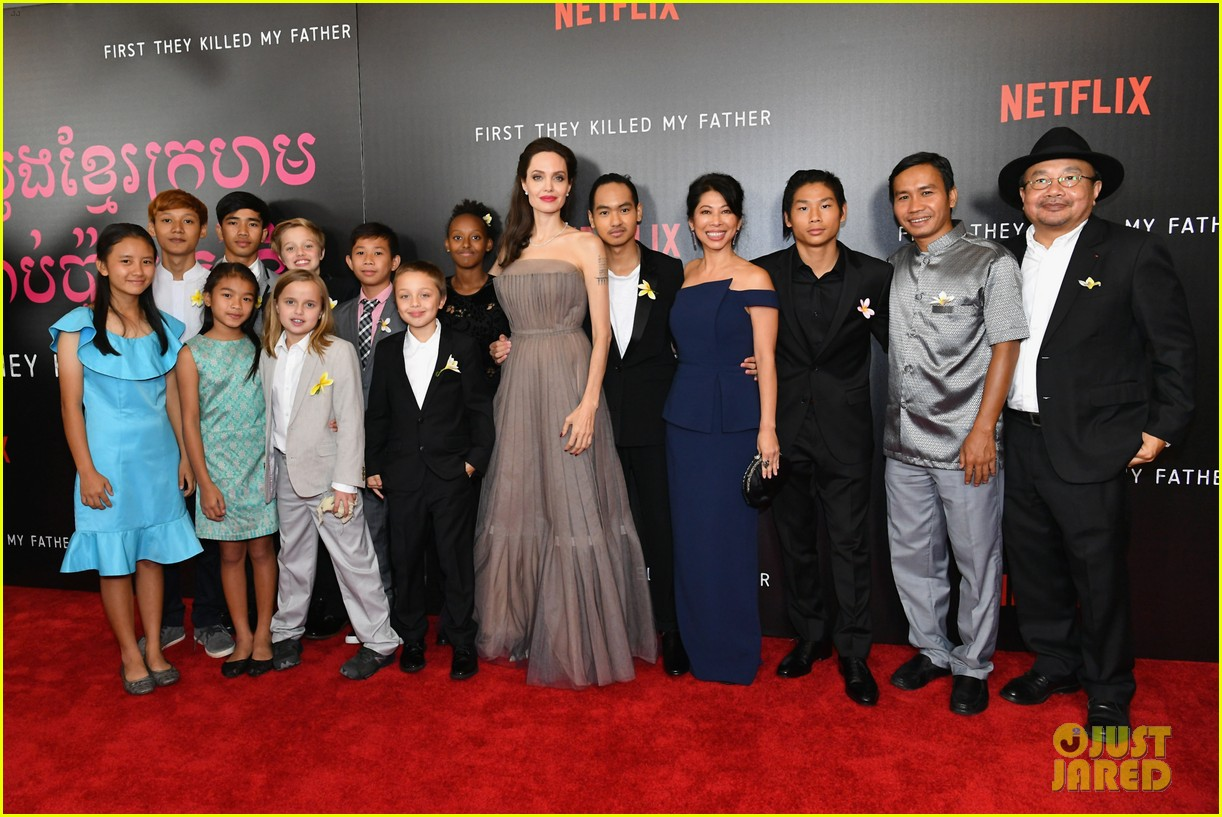 angelina jolies six kids wear yellow flowers to nyc premiere 083957201