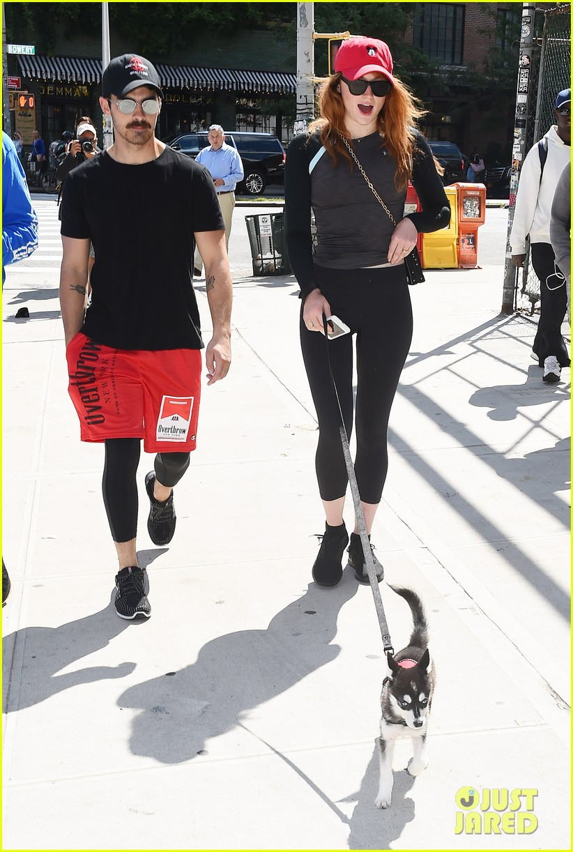 joe jonas sophie turner and their dog step out in coordinating outfits 033953748