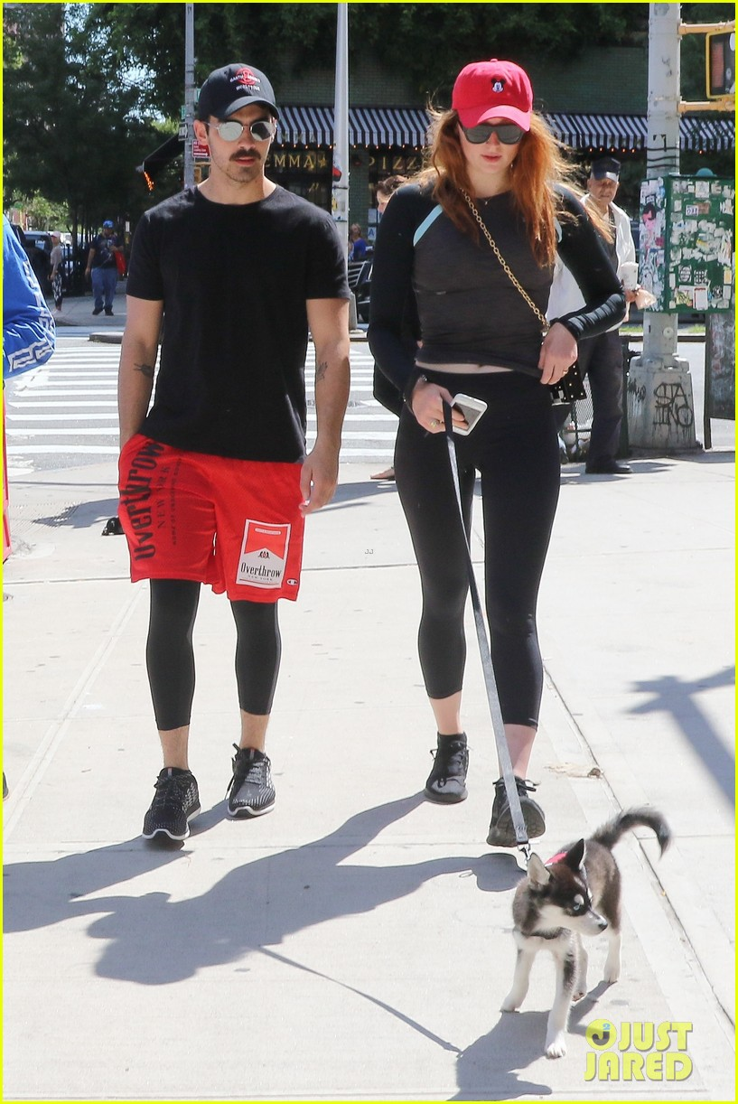 joe jonas sophie turner and their dog step out in coordinating outfits 073953752