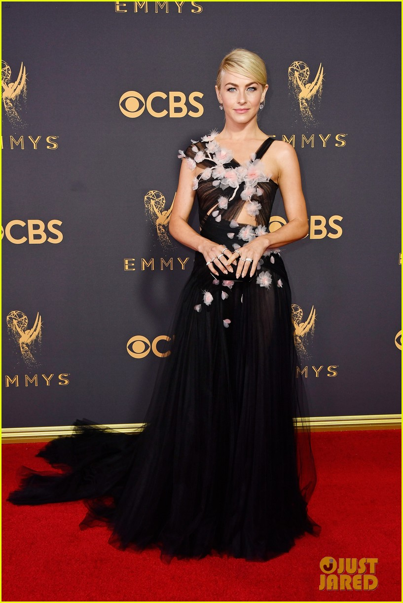 Julianne Hough Looks Glam On The Emmys 2017 Red Carpet Photo 3958976 2017 Emmy Awards Emmy