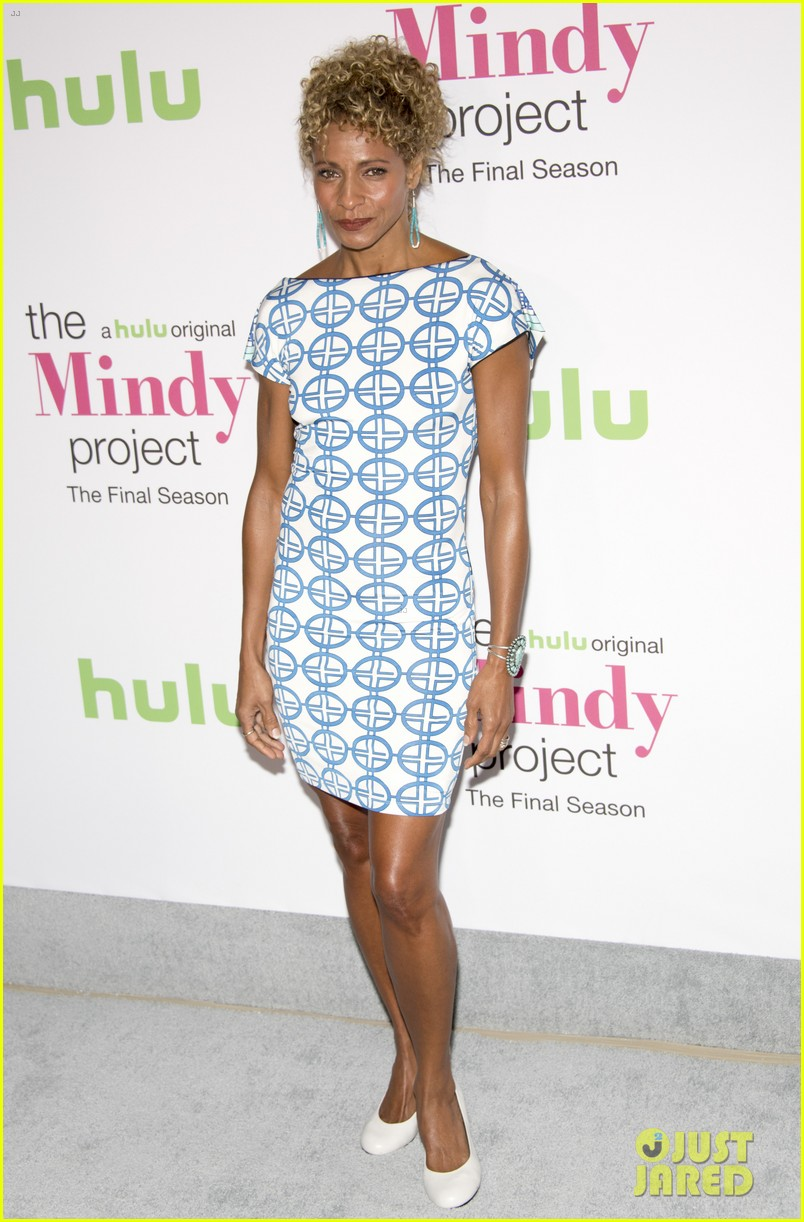 mindy kaling premieres mindy project 113956255