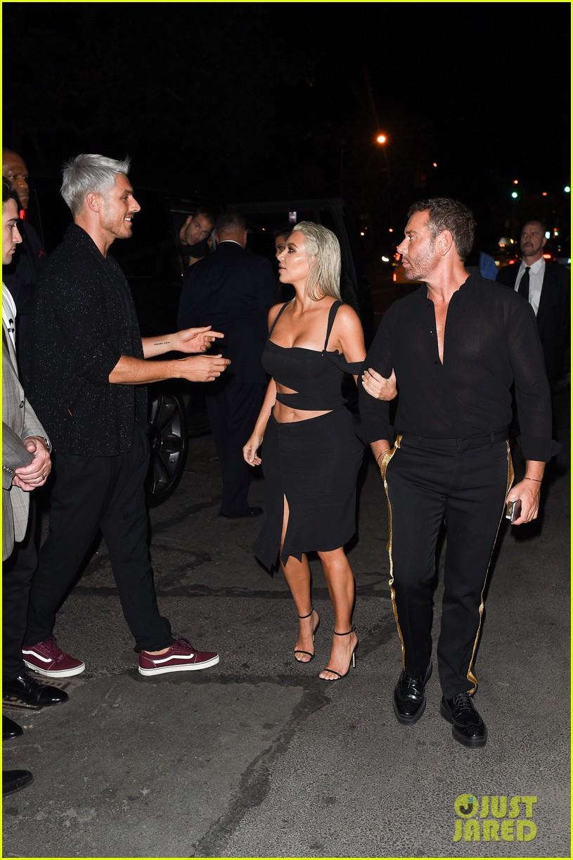 kim kardashian wears sexy cut out dress for nyfw party 073952662