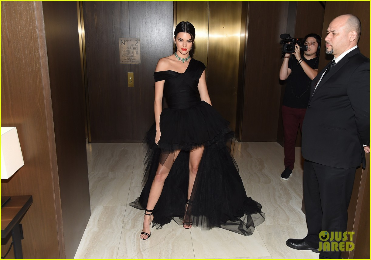 kendall jenner dfw awards valli gown 023953068