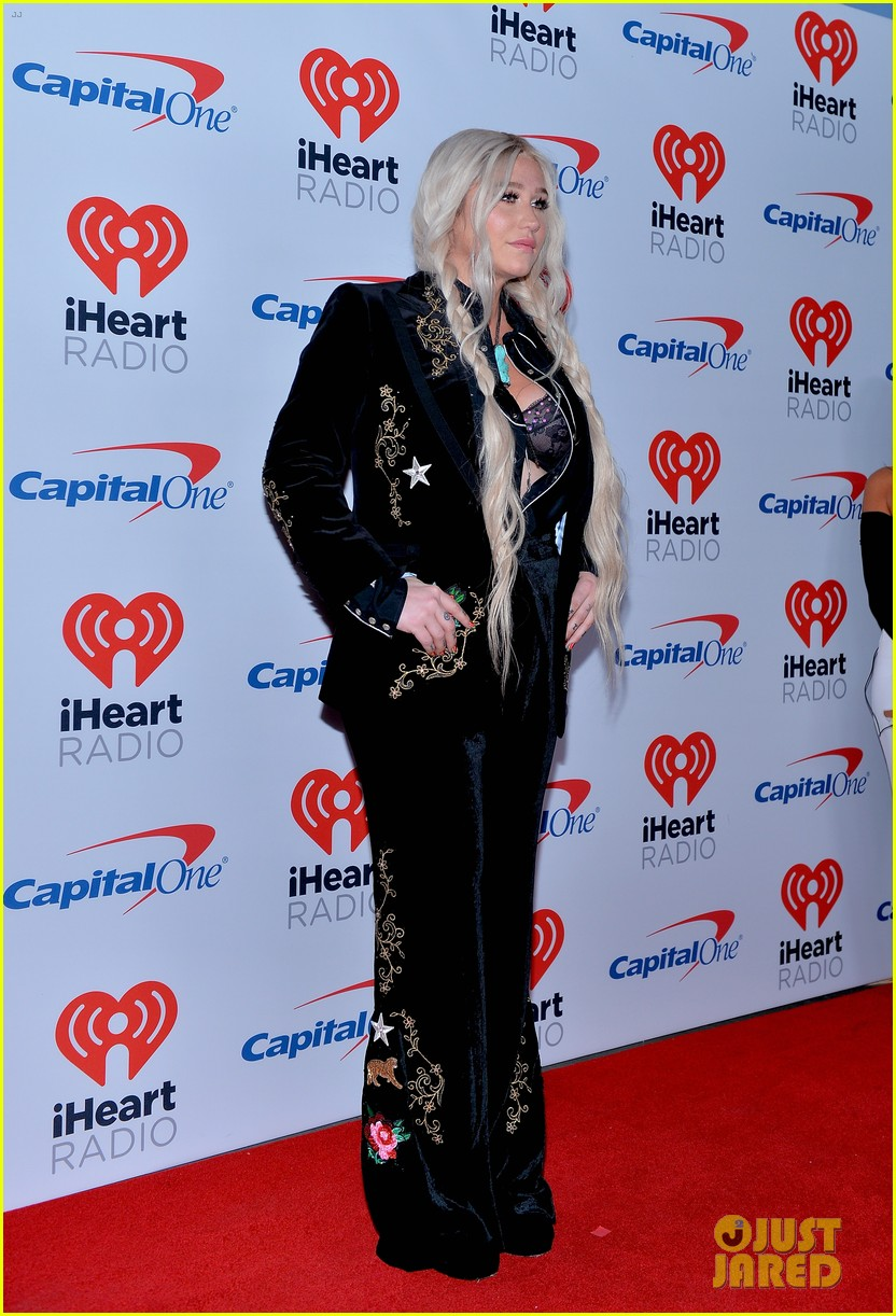 kesha has lots of surprises for iheartradio festival 033963088