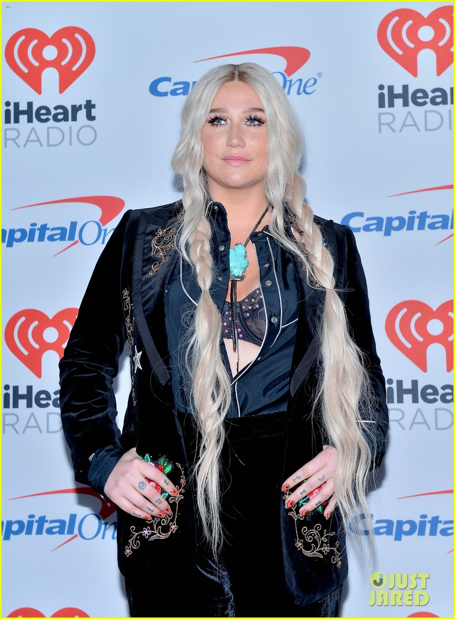 kesha has lots of surprises for iheartradio festival 043963089