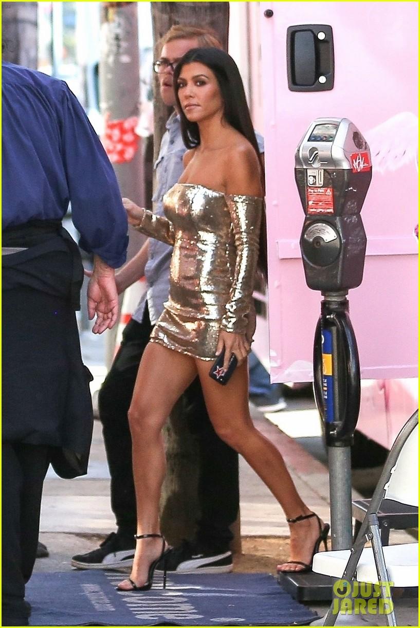 kim kardashian kourtney kardashian impression 013960723