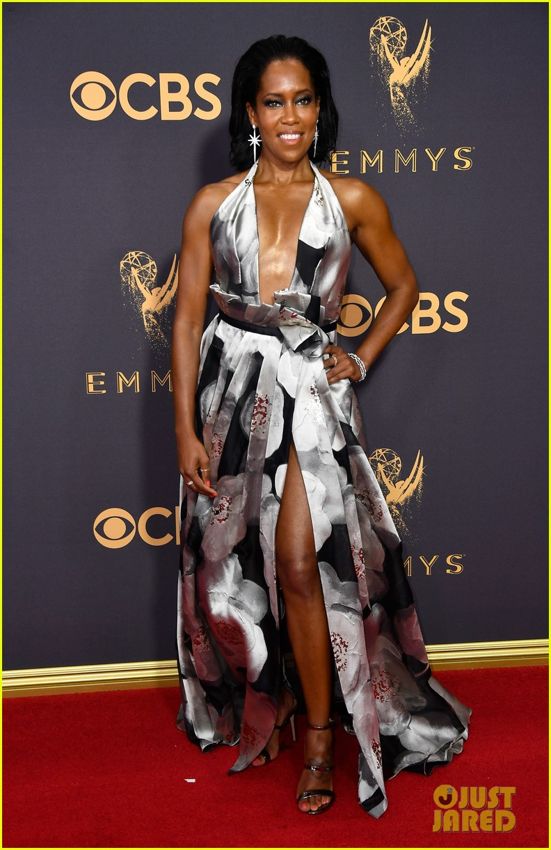 regina king edie falco step out in style for emmys 2017 033959702