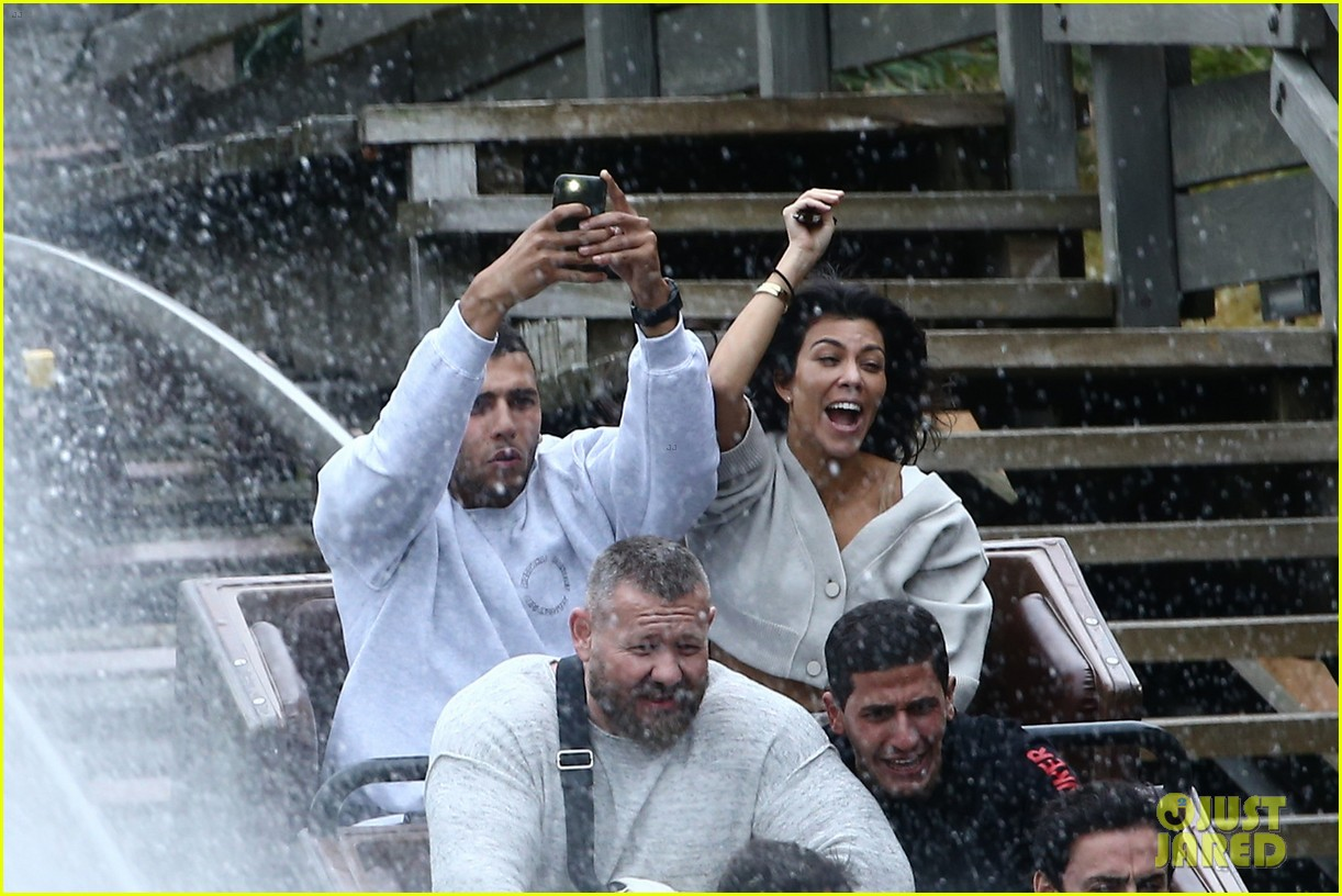 kourtney kardashian younes bendjima disneyland paris 023965774