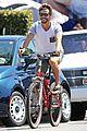 ryan kwanten and ashley sisino enjoy venice beach bike ride 05