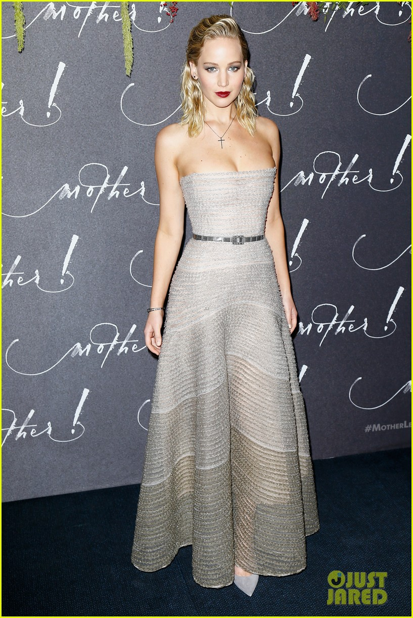 jennifer lawrence mother paris premiere darren aronofsky 013952320