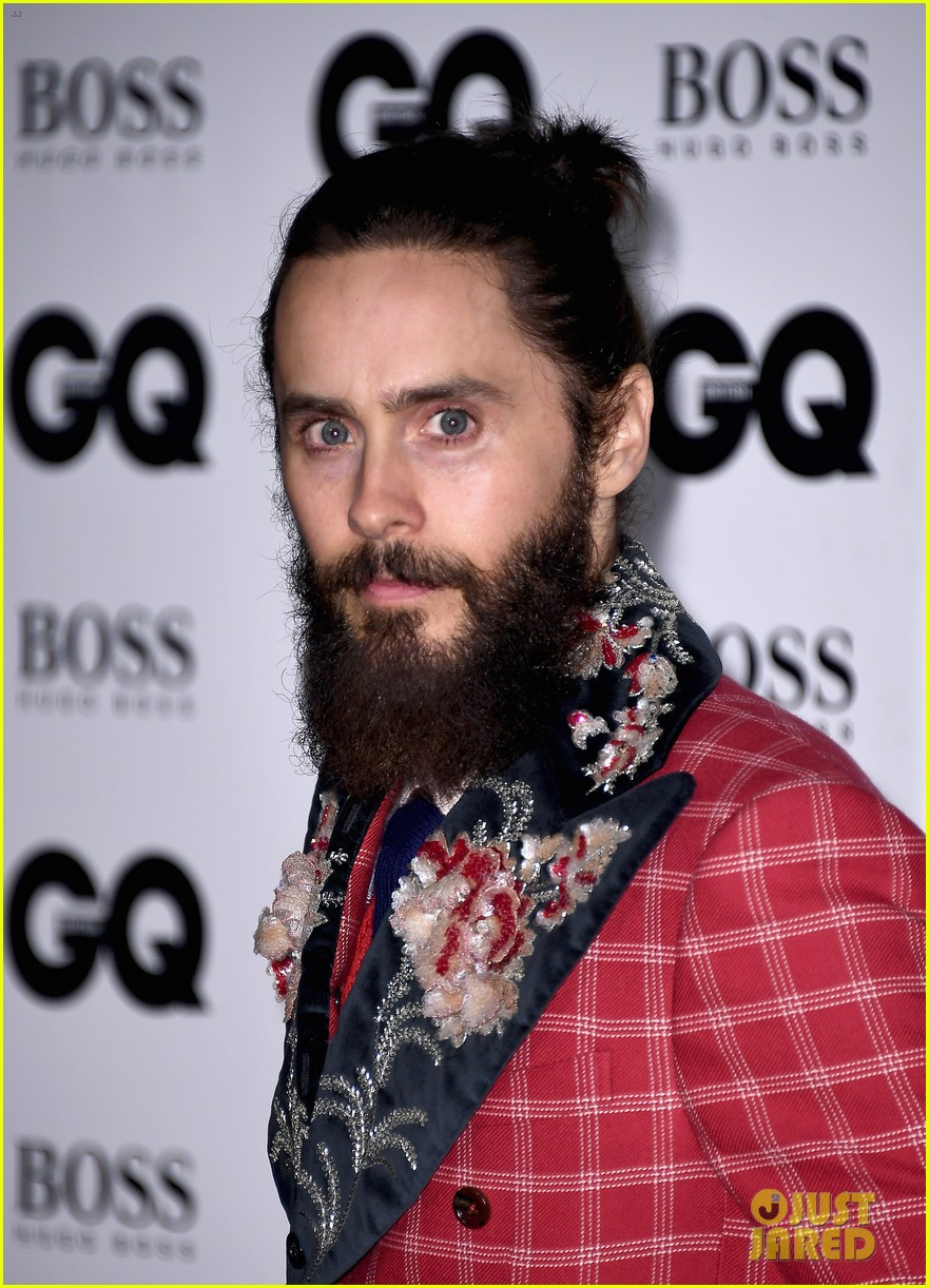 jared leto wears signature gucci style at gq men of the year awards 043950577