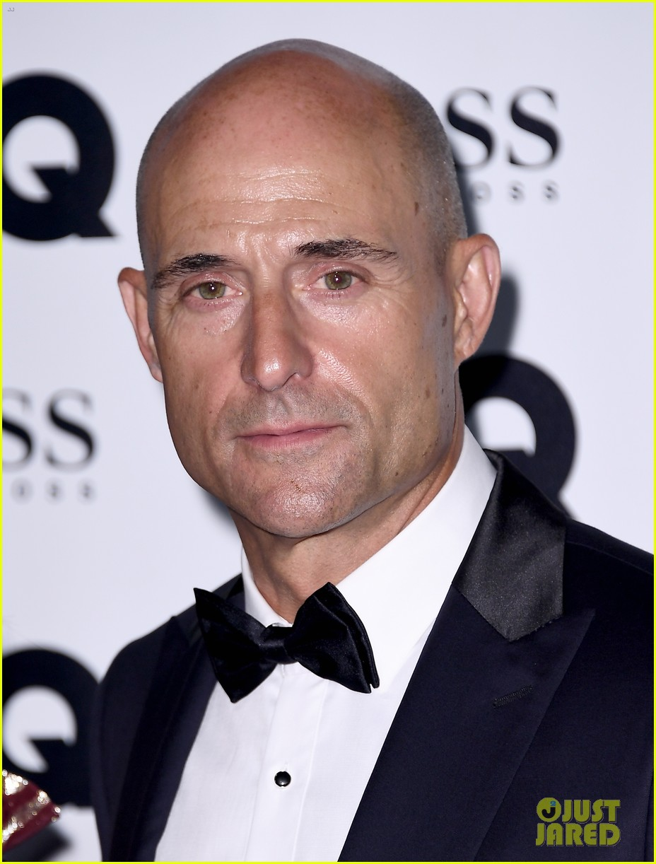 jared leto wears signature gucci style at gq men of the year awards 083950581