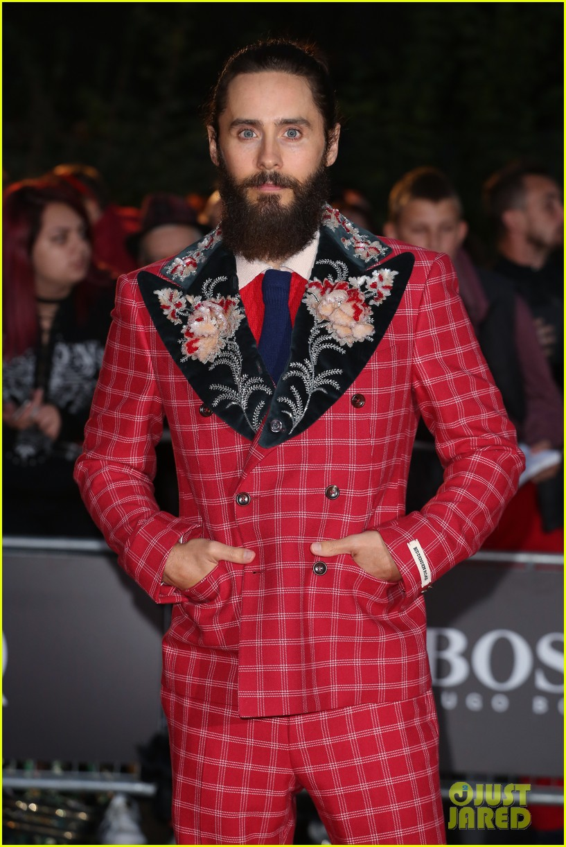 jared leto wears signature gucci style at gq men of the year awards 333950606