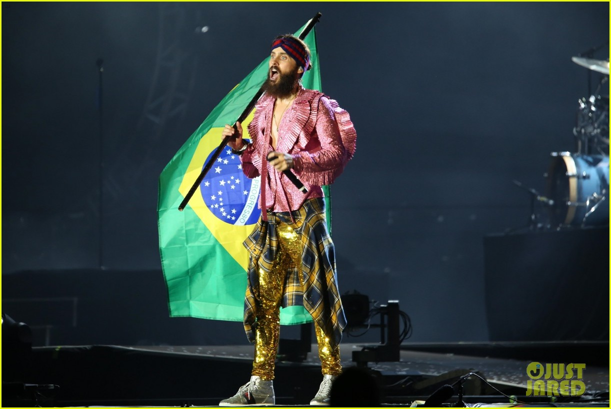 jared leto sparkles on stage at rock in rio music festival 2017 033963960