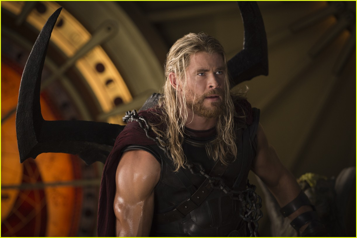 liam hemsworth almost took chris hemsworth thor role 023956454