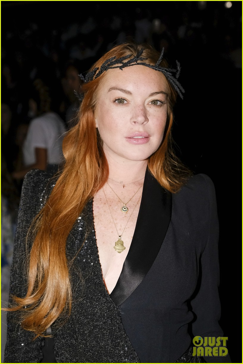 lindsay lohan shows off a lot of leg at london fashion week 183958245