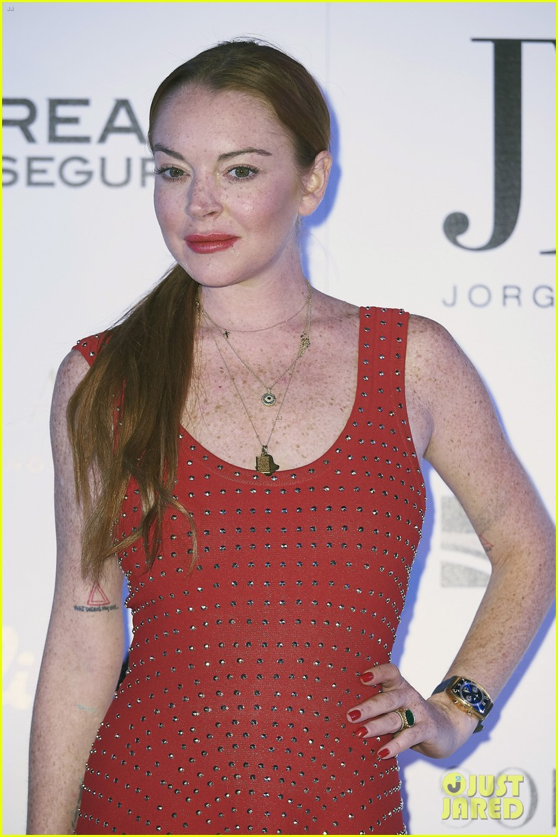lindsay lohan shows off her street style during madrid fashion week 033960633