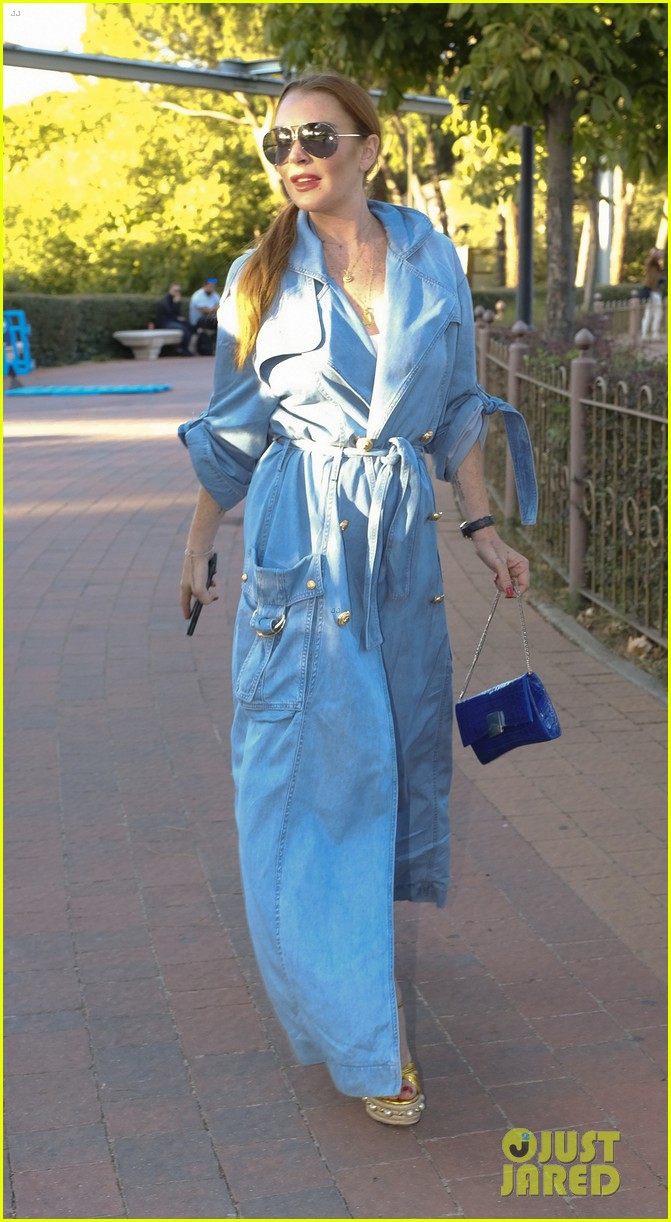 lindsay lohan shows off her street style during madrid fashion week 043960634