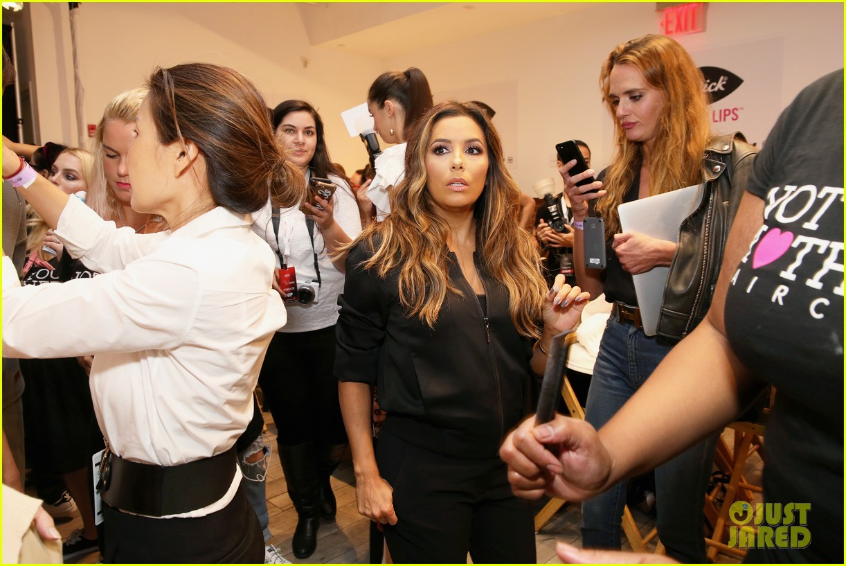 eva longoria debuts her new fashion collection at nyfw 033956613