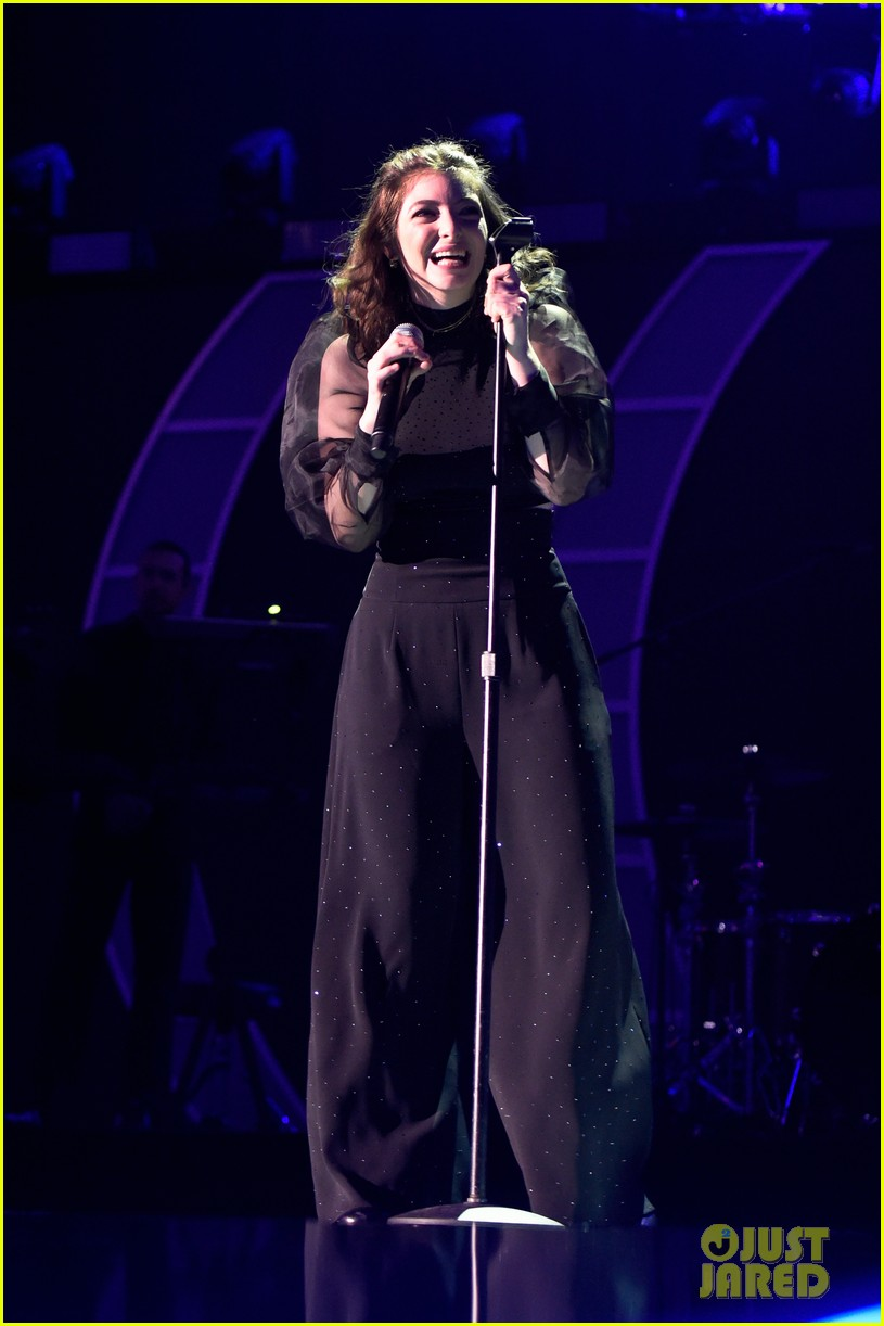 lorde brings special guests to iheartradio music festival 023963159