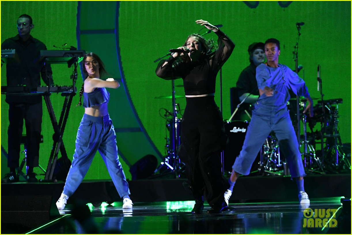 lorde brings special guests to iheartradio music festival 073963164