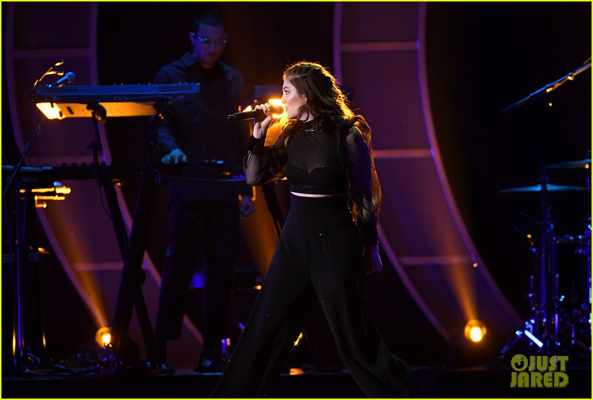 lorde brings special guests to iheartradio music festival 133963170