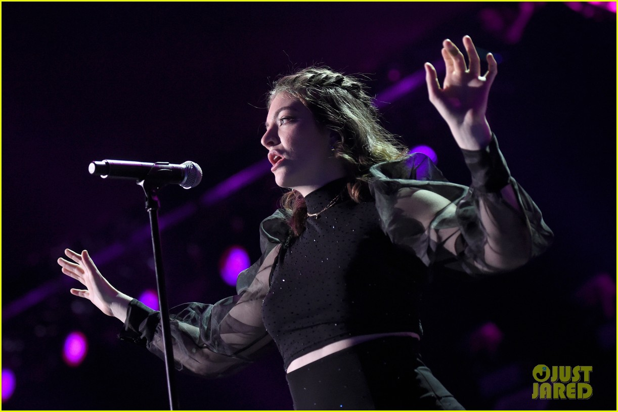 lorde brings special guests to iheartradio music festival 283963185