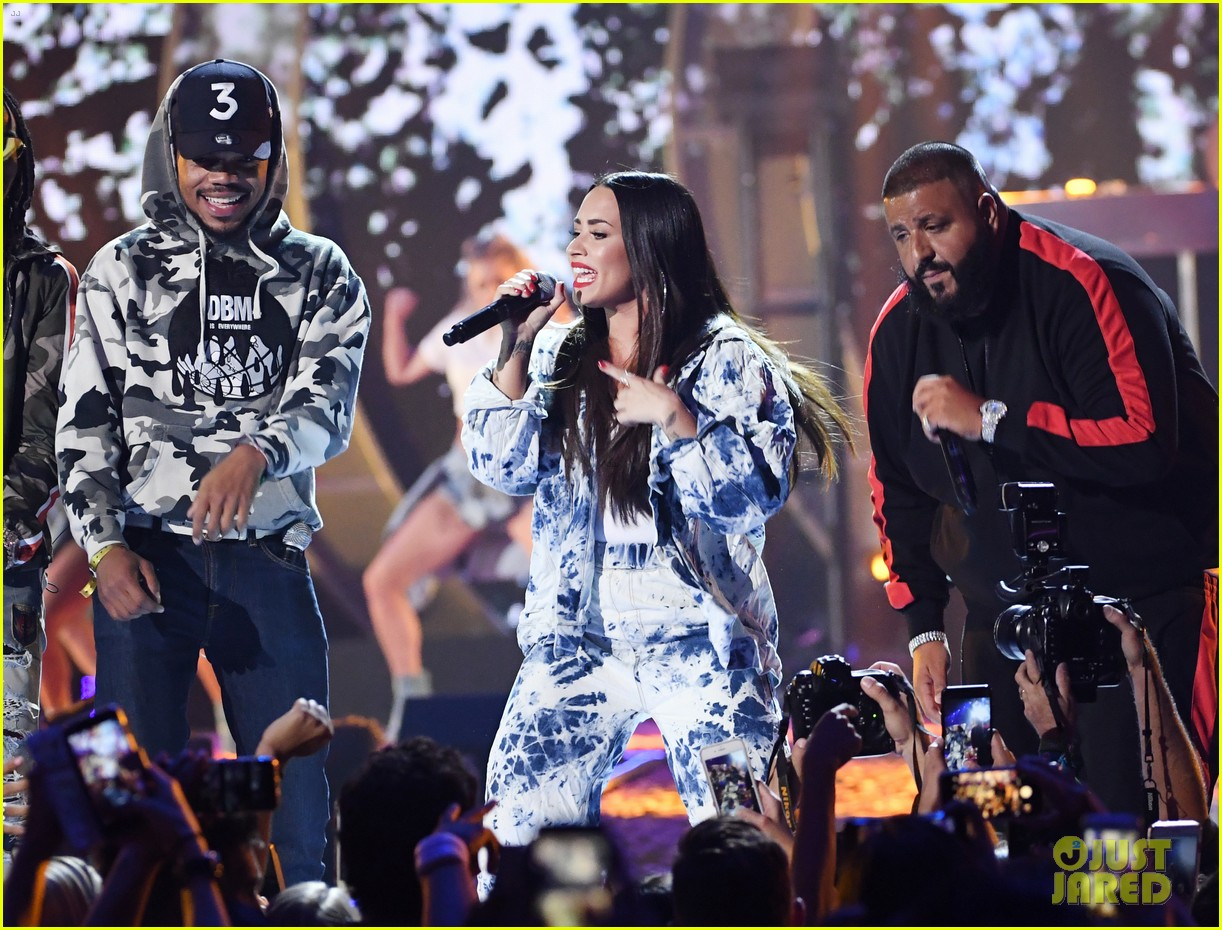 demi lovato jet sets for surprise iheartradio performance 053963582