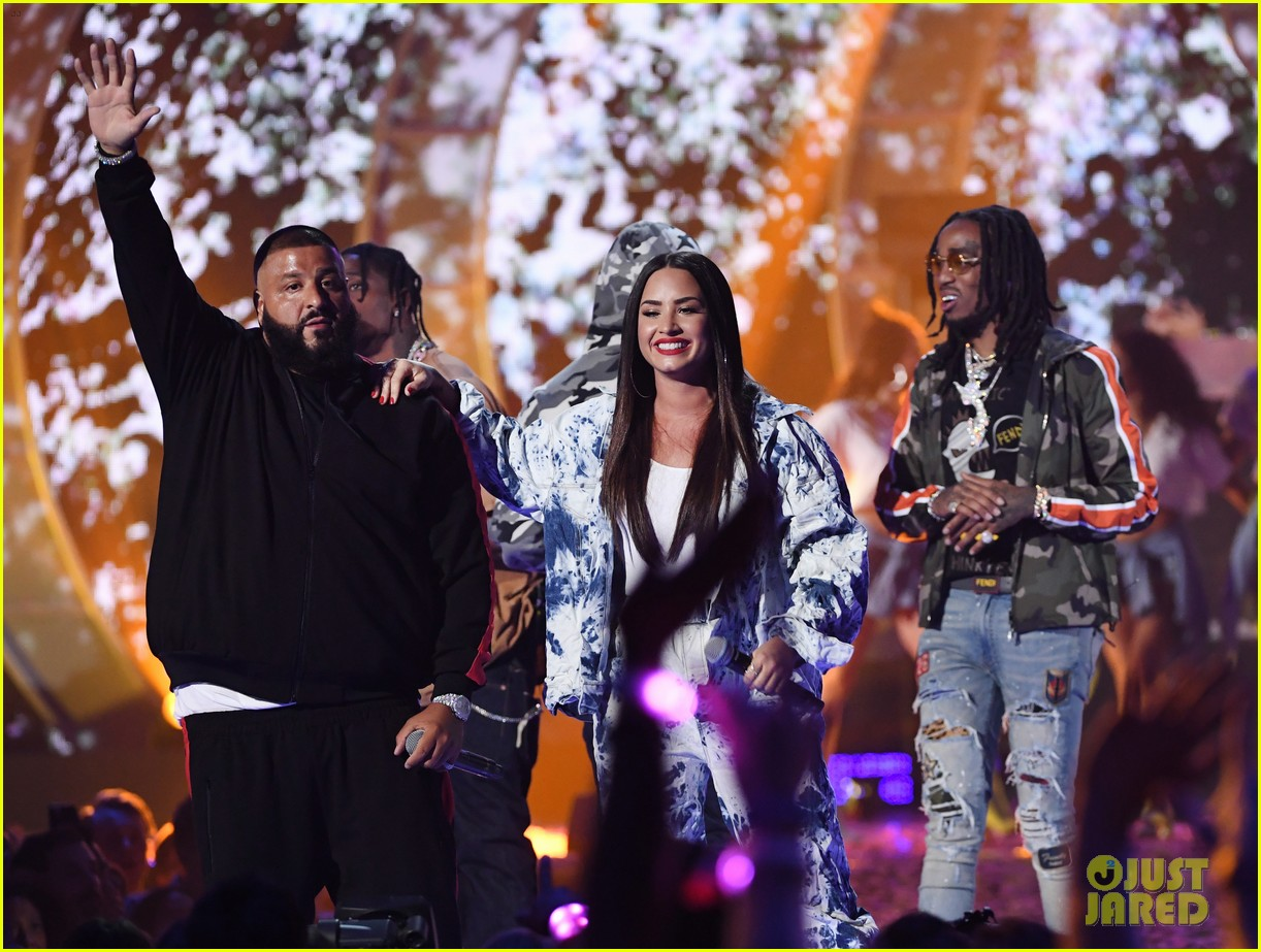 demi lovato jet sets for surprise iheartradio performance 123963589