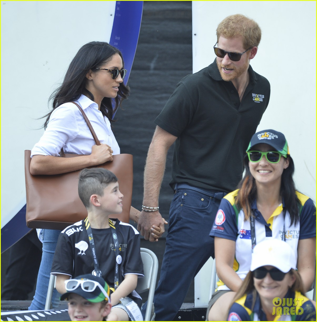 meghan markle prince harry hold hands toronto 173964178