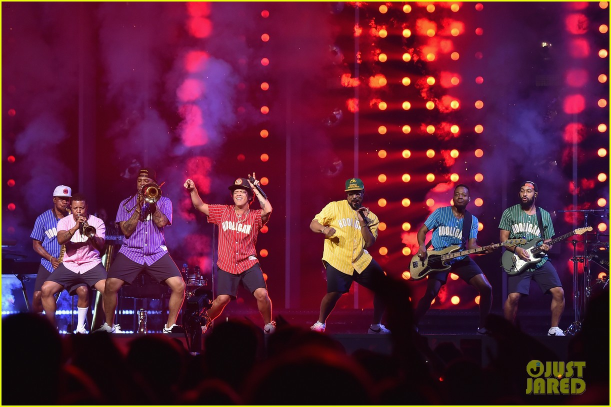 Bruno Mars Plays Two Sold Out Shows At Madison Square Garden Photo 3963407 Bruno Mars