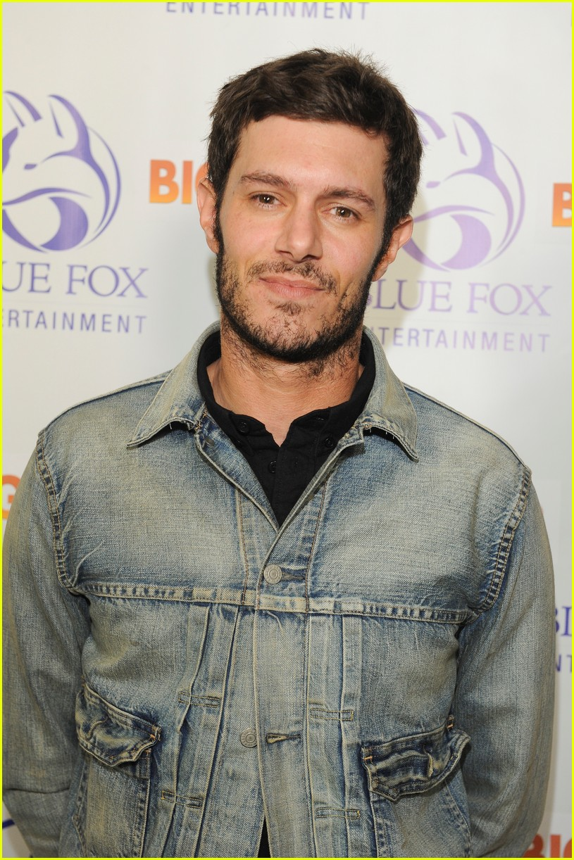 leighton meester supports adam brody at big bear premiere 023961567