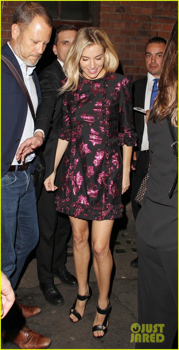 sienna miller dazzles in metallic mini dress after cat on a hot tin roof performance 043949345