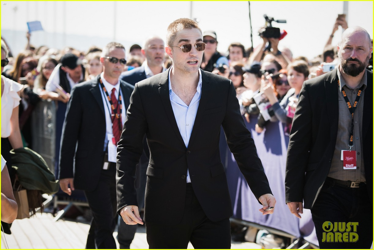 robert pattinson debuts new buzz cut at deauville film fest 133949392