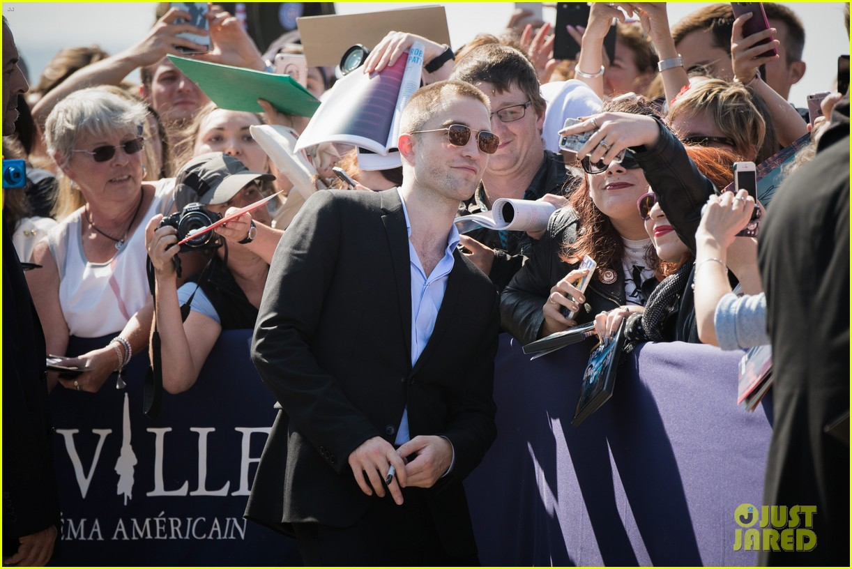 robert pattinson debuts new buzz cut at deauville film fest 203949399