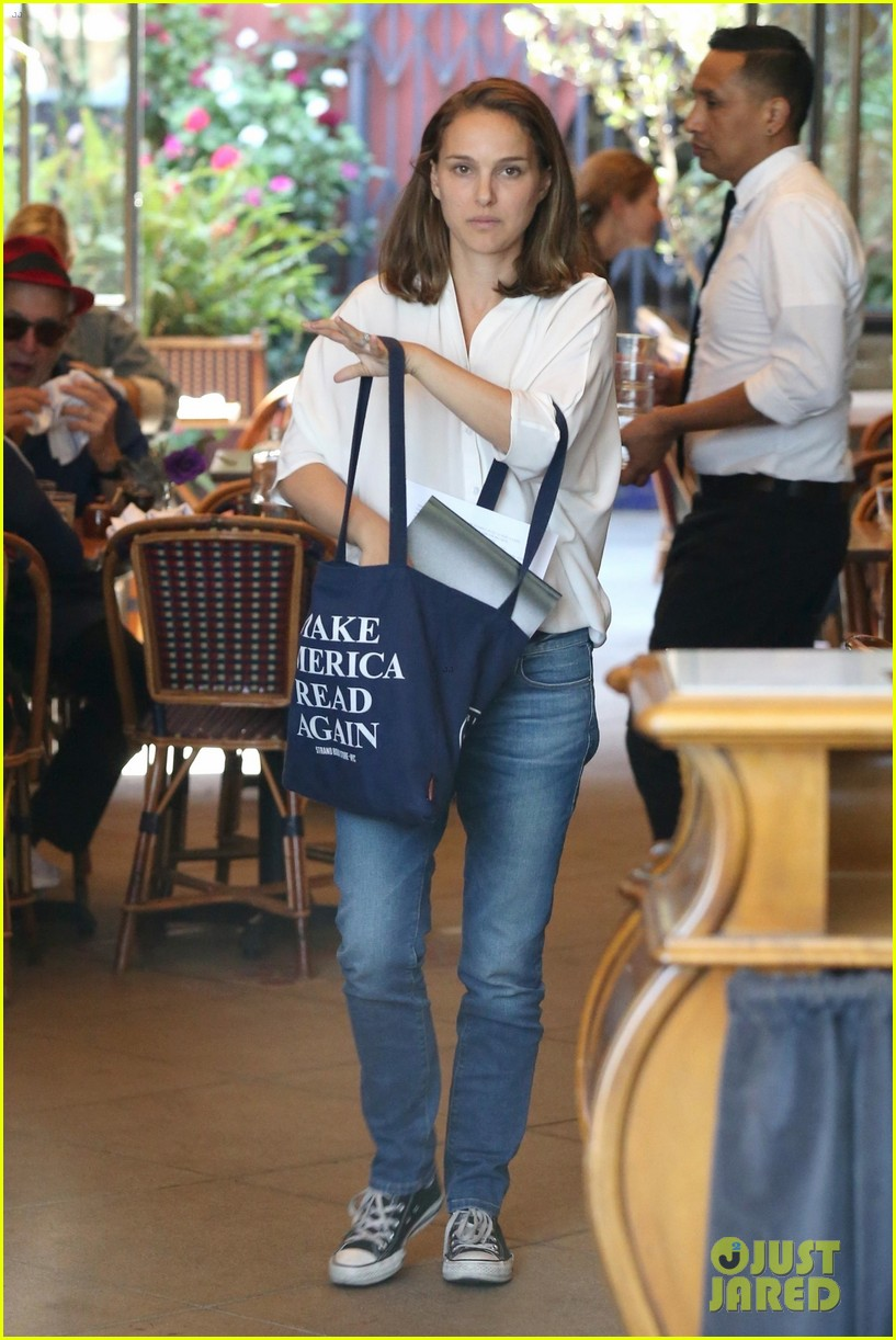 natalie portman goes makeup free while running errands in los feliz 013965082