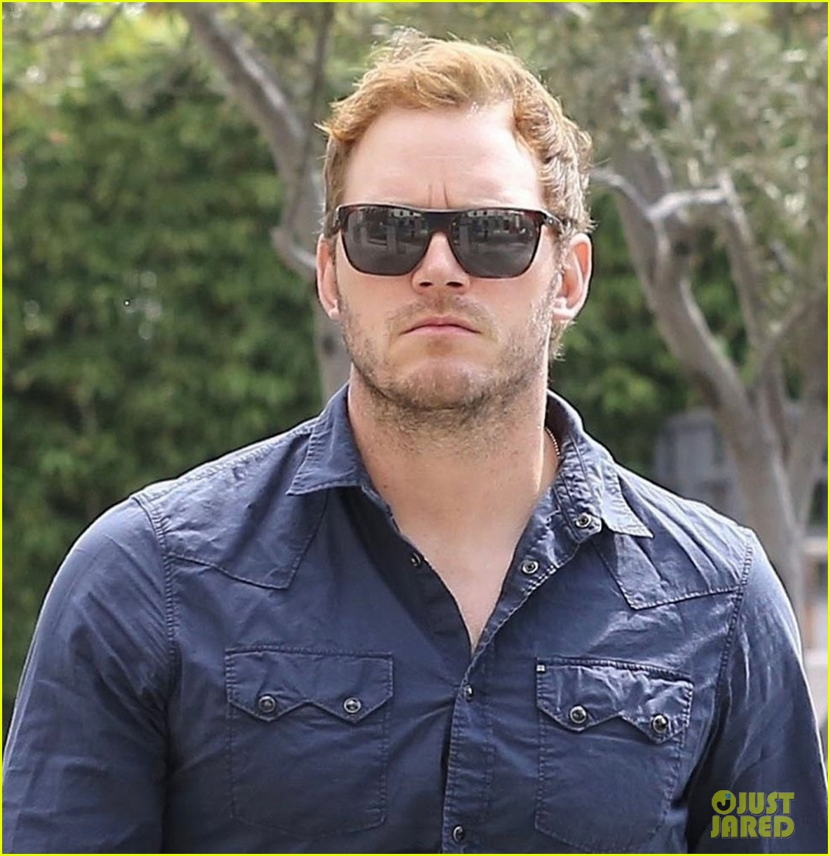 chris pratt is all business while arriving for early morning meeting 033955432