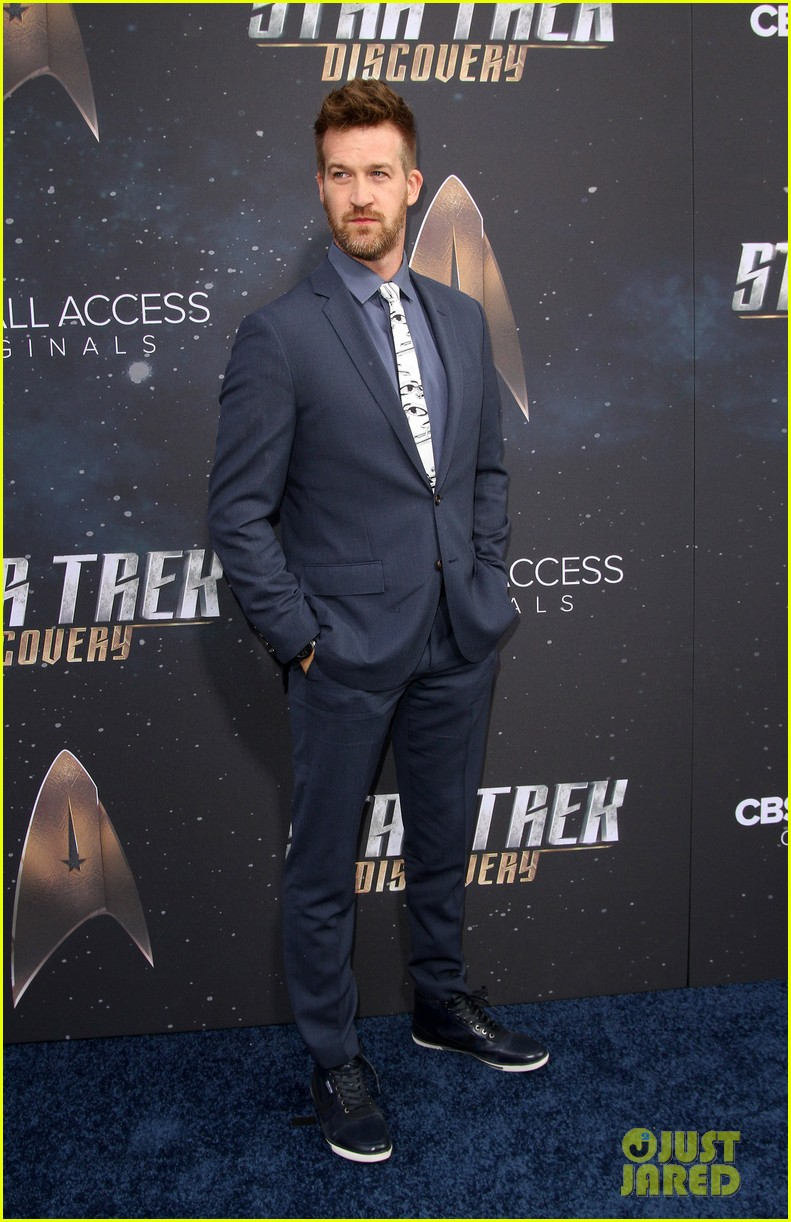 anthony rapp wilson cruz talk gay romance in star trek discovery 333961325