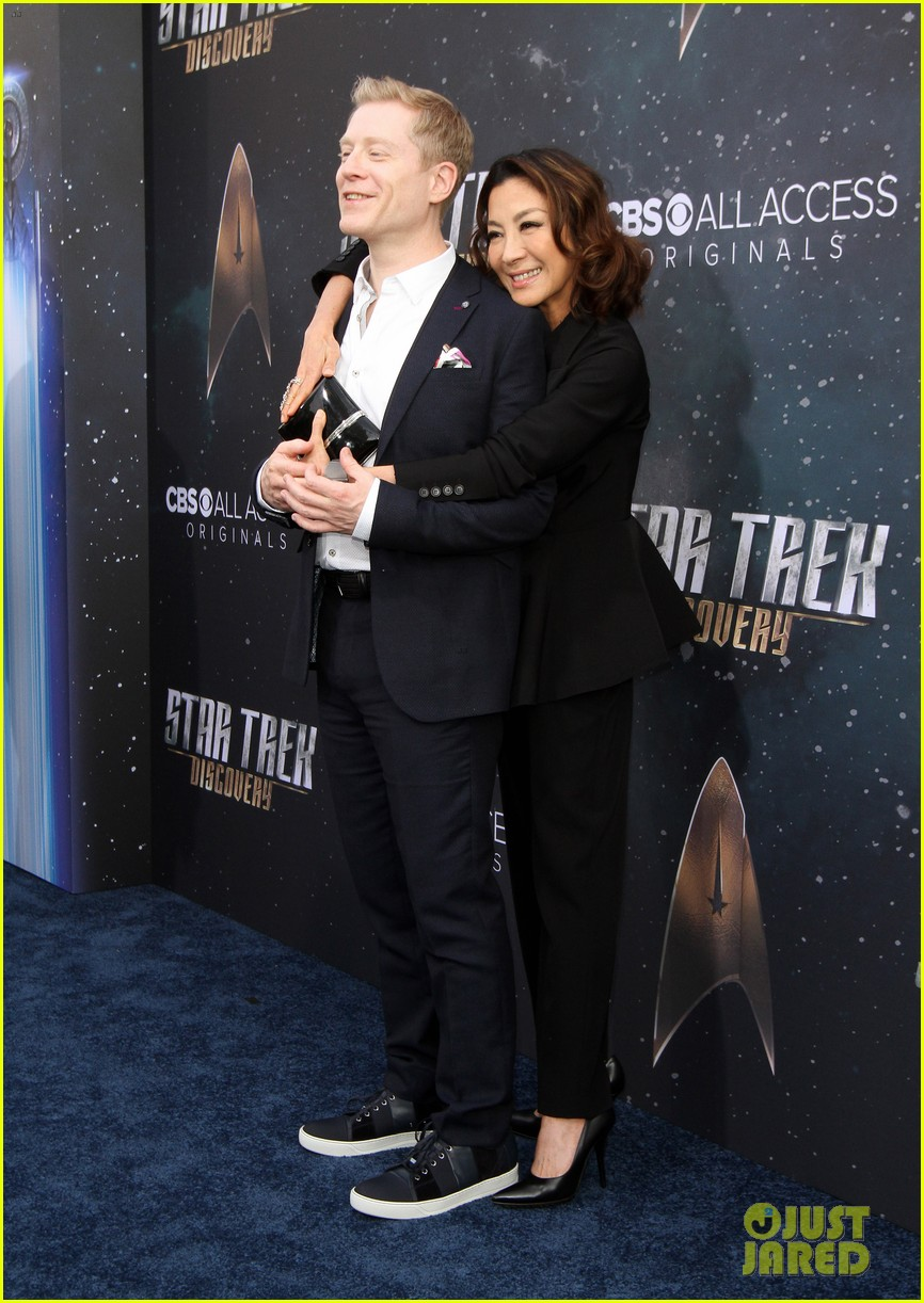 anthony rapp wilson cruz talk gay romance in star trek discovery 713961363