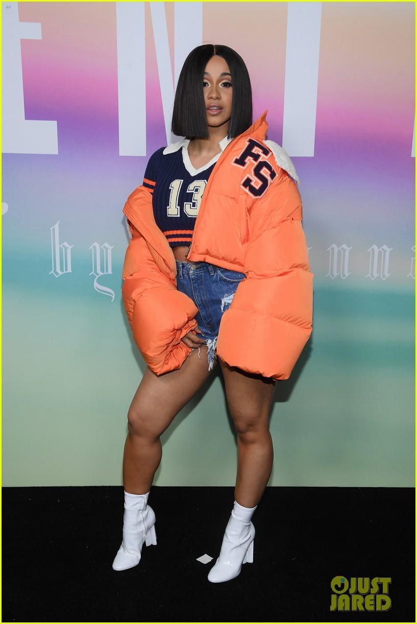 rihannas fenty fashion show 123954661