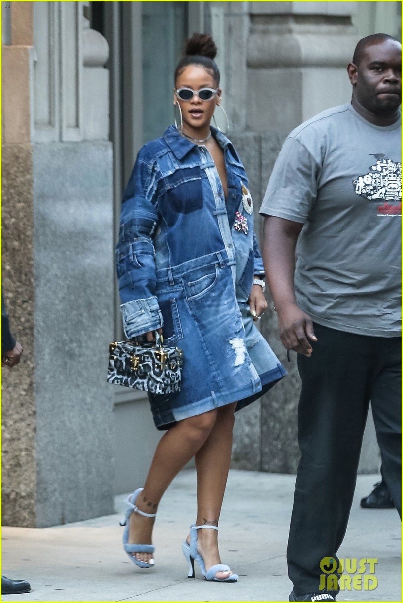 rihanna denim nyc 023956574